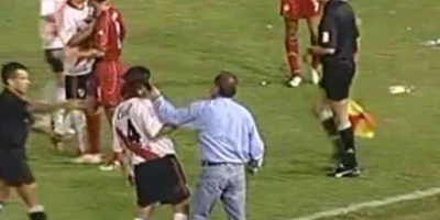 El infierno de River Plate en Cali: El América de Cali venció 4-1 a River Plate en el partido de vuelta de los cuartos de final de la Copa Libertadores. Foto:YouTube / Bestiario