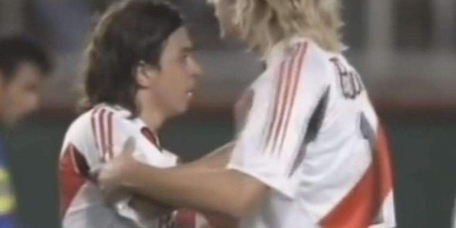 Boca vs. River en Libertadores. Si los clásicos de Argentina entre Boca Juniors y River Plate son llenos de pasión, lo son más cuando se disputan a nivel internacional y aún más en una semifinal de la Copa Libertadores. Foto:YouTube / FoxSports