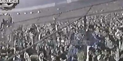 El escándalo de Santiago en 1991: Se jugaban las semifinales de la Copa Libertadores entre Boca Juniors y Colo Colo. En el partido de vuelta, que se disputó en el Estadio Monumental de Santiago, hubo una gran gresca en la que intervino el entonces DT xeneize, Oscar Washington Tábarez. Foto:YouTube / Fútbol Retro