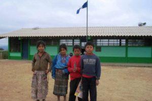 Los niños volverán a las aulas. Foto:Publinews