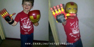Esta organización busca innovar en las prótesis que los niños necesitan Foto:Facebook/E-Nable