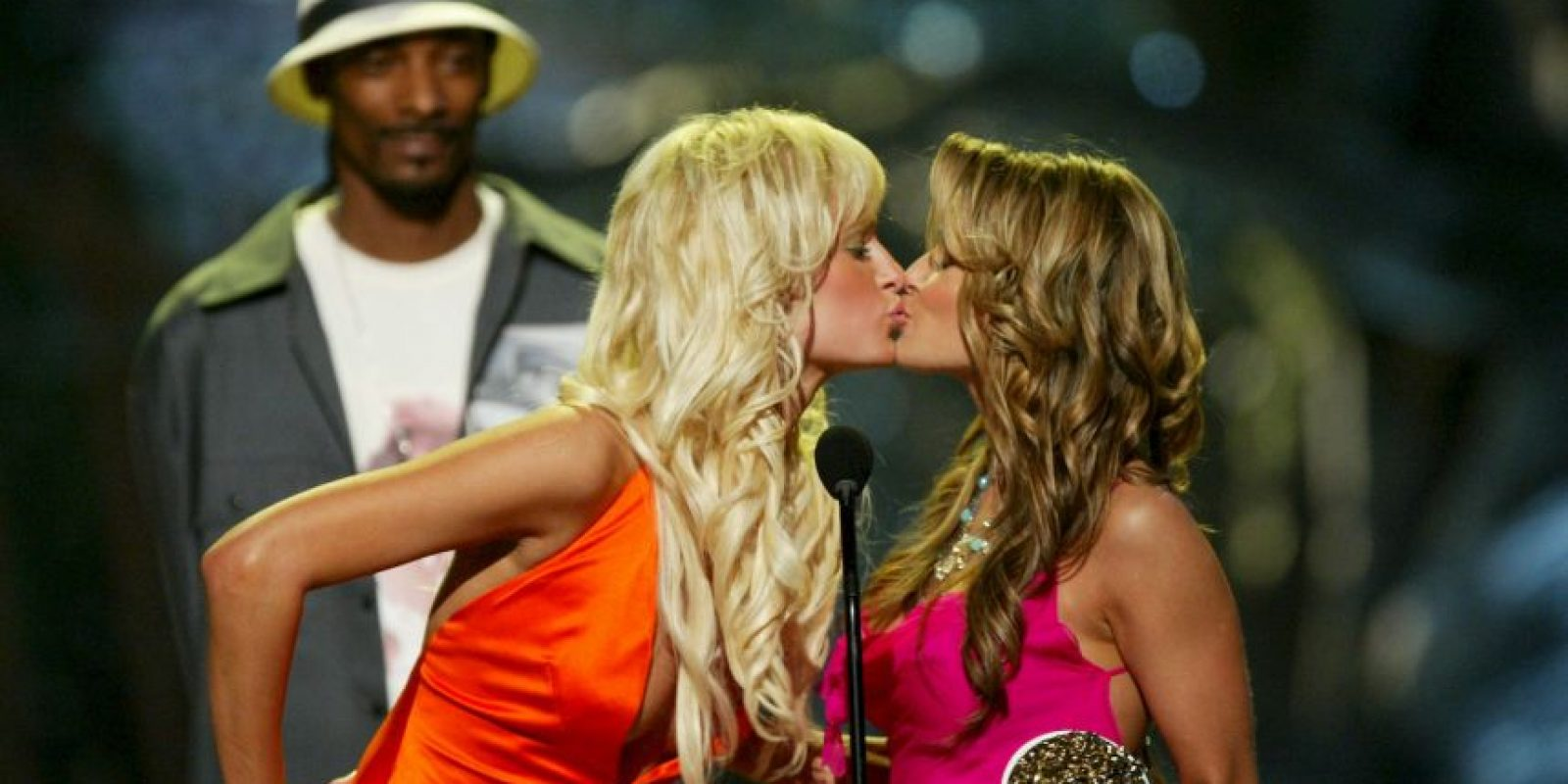 Paris Hilton y Carmen Electra Foto: Getty Images