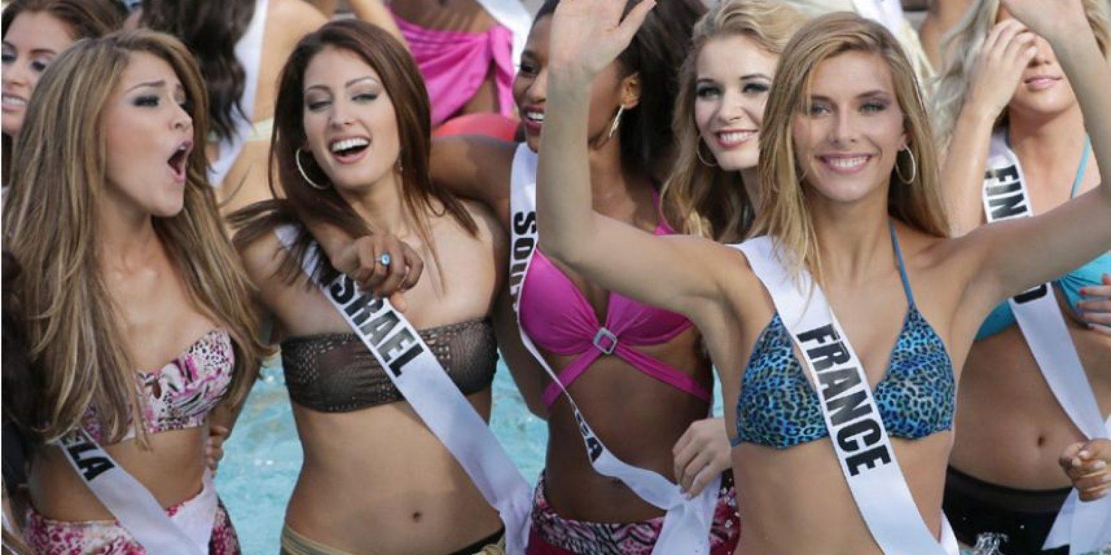 Antes de saber quien se llevará la corona como la más bella del universo, las 88 candidatas que compiten en el certamen de belleza disfrutaron de un día bajo del sol con música y piscina. Foto:EFE