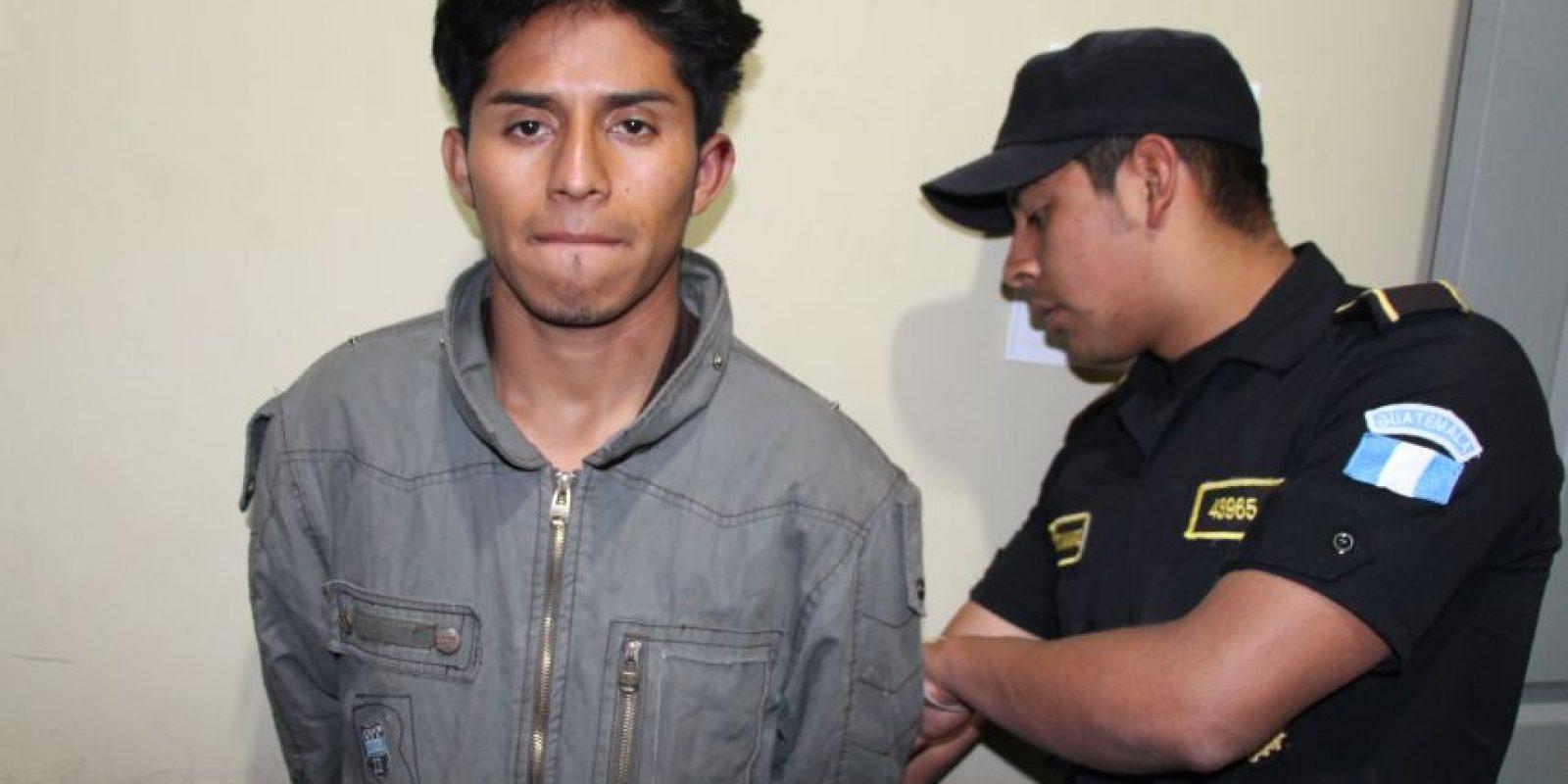 Adolfo Alberto Salguero Arana de 23 es detenido en Quetzaltenango. Foto:PNC