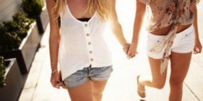Además, las mujeres bisexuales son más propensas a utilizar tranquilizantes o consumir marihuana que las lesbianas. Foto:Tumblr.com/Tagged-lesbianas