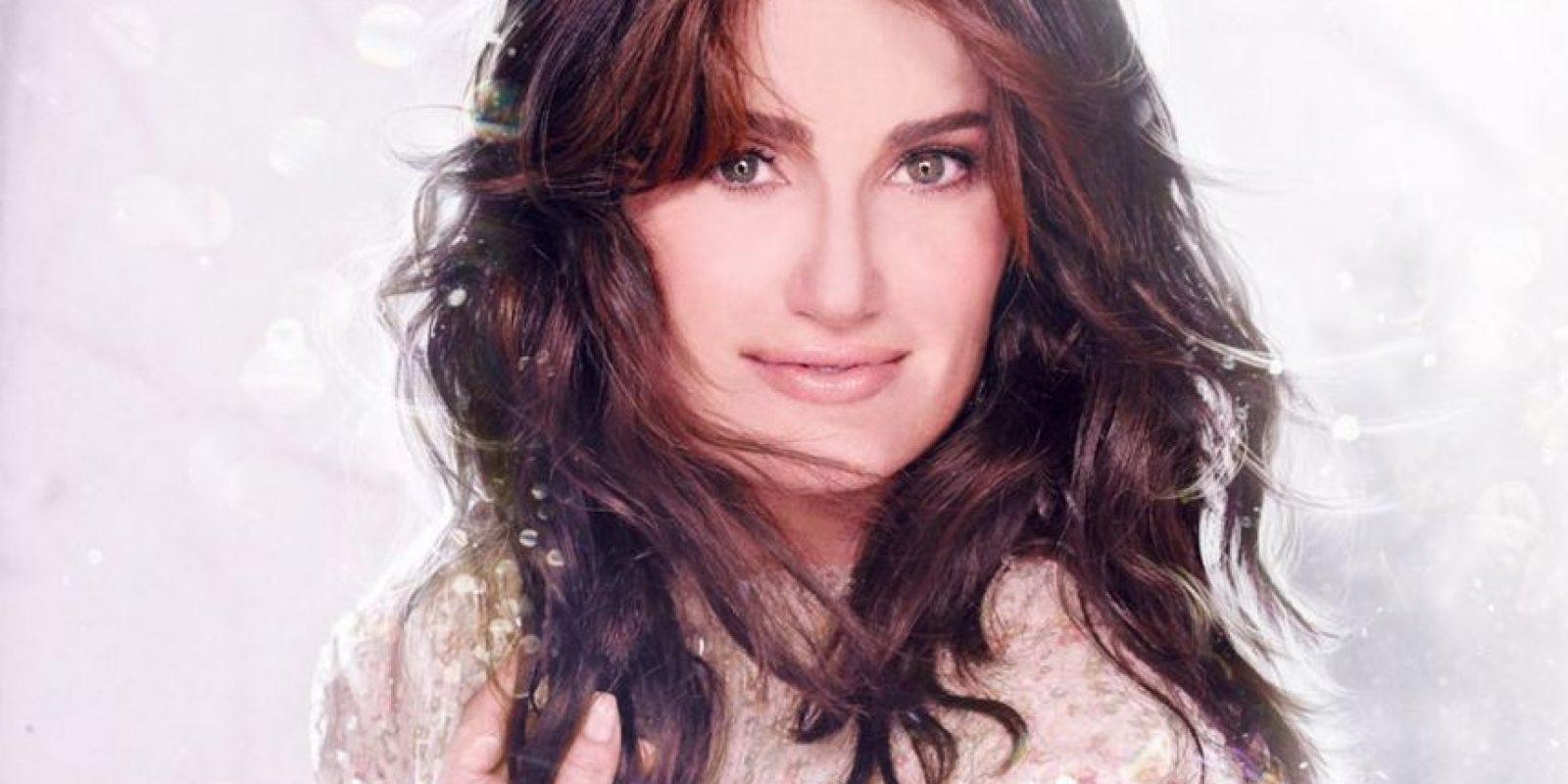 Fue nominada por ambos papeles a los Premios Tony Foto:Facebook Idina Menzel