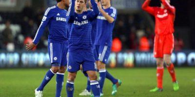 Chelsea refuerza su liderato con goleada