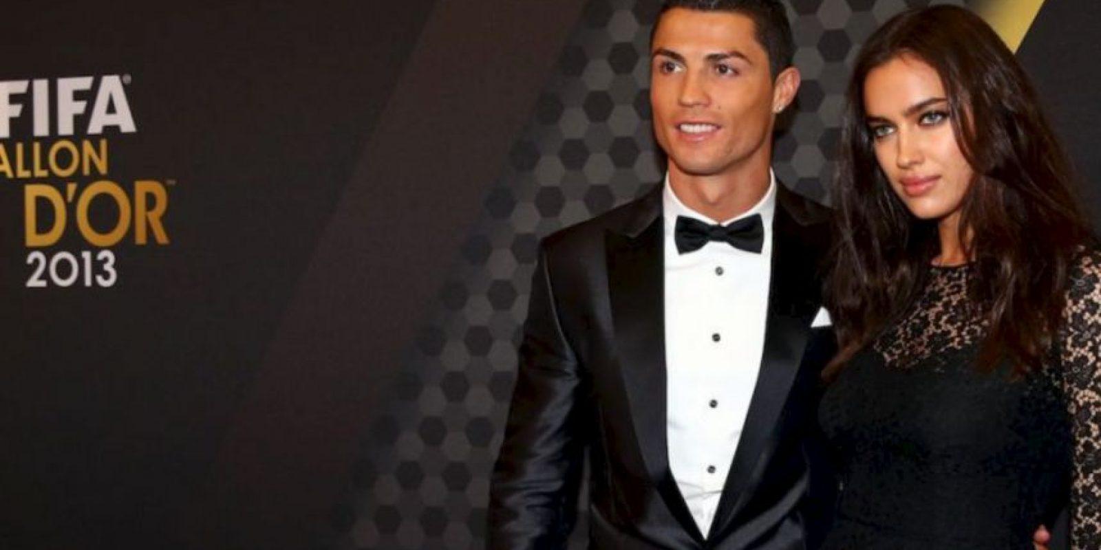 Irina acompañó a Cristiano Ronaldo a la gala del Balón de Oro en enero de 2014, mismo que ganó el portugués y le dedicó a la modelo. Foto:Getty Images