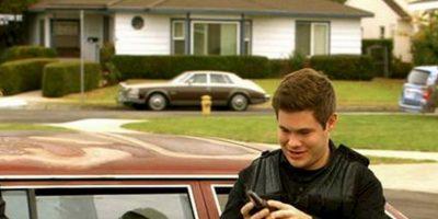 """Los personajes principales se hicieron conocidos en la universidad donde Blake y Adam eran compañeros de cuarto y Anders fue su asesor residente Foto:Facebook """"Workaholics"""""""