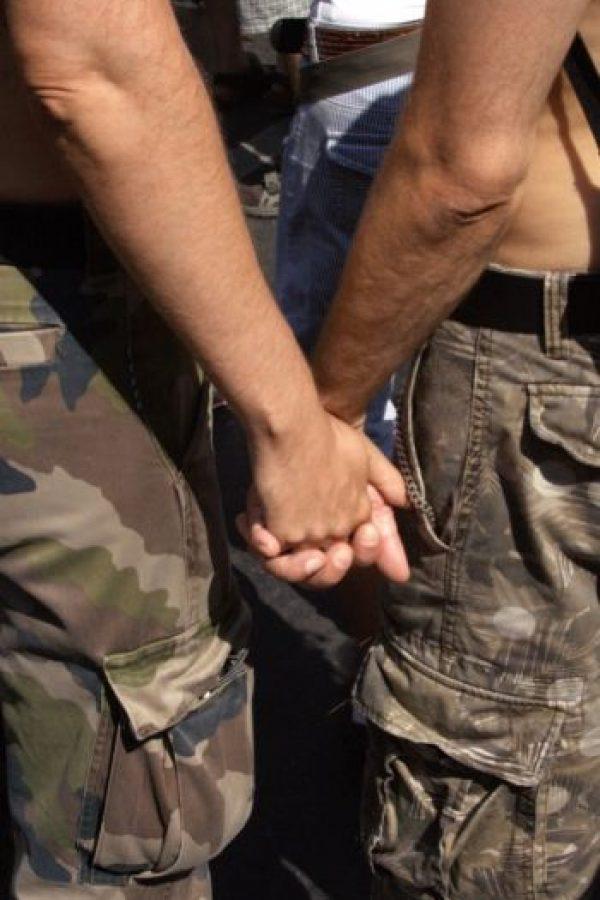 La violación puede ocurrir entre personas del mismo sexo, lo cual es más frecuente en lugares como prisiones, instalaciones militares y escuelas no mixtas. Foto:Wikimedia
