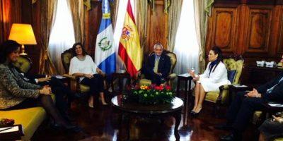 Con el presidente Otto Pérez. Foto:Presidencia