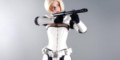 FOTOS. Star Wars sigue sorprendiendo, ahora con una Stormtrooper mujer