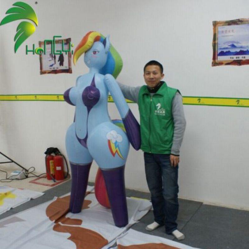 """Ya sabíamos de las muñecas sexuales """"reales"""" y de celebridades. Pero la nueva sensación es la muñeca sexual inspirada en """"Mi Pequeño Pony"""" Foto:Hongyitoys"""