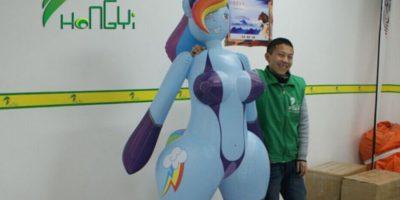 Es de PVC, creada por Hongyitoys y viene pintada con aerosol Foto:Hongyitoys