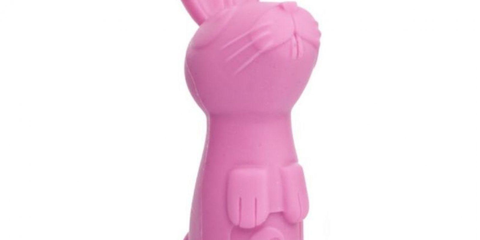 Ramsey Rabbit parece un inocente conejito. Pero es un vibrador que cuesta 15 euros y tiene 7 velocidades. Se le puede remover el diseño de plástico Foto:eBay