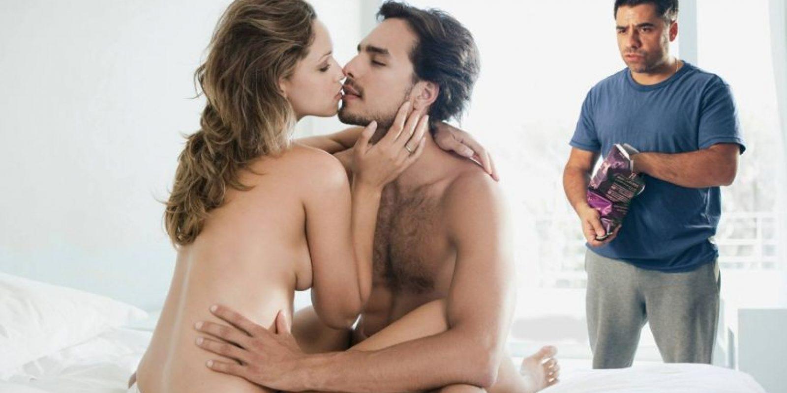 En medio del sexo. Foto:TheStockPhotoBomber/Facebook