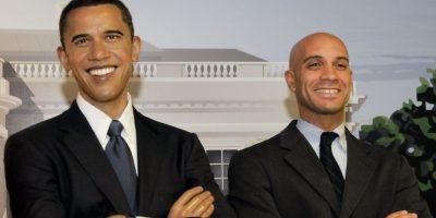 En la foto Fenty posa junto a una estatua del presidente estadounidense Barack Obama. Foto:Getty Images
