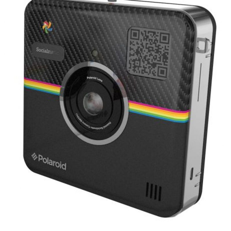 Tiene una cámara frontal de 14 megapixeles, lateral de 2 megapixeles, Wi-Fi interno, Bluetooth, pantalla LCD de 4.5 pulgadas, memoria interna de 4G y expandible mediante memoria Micro SD. Foto:Polaroid