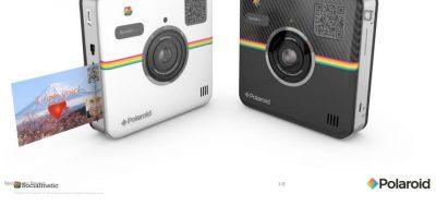 Las fotos se pueden compartir automáticamente en redes sociales o imprimir a color en papel de 5.8*7.62 cm con reverso adhesivo en menos de un minuto. Cuesta 299.99 dólares. Foto:Polaroid