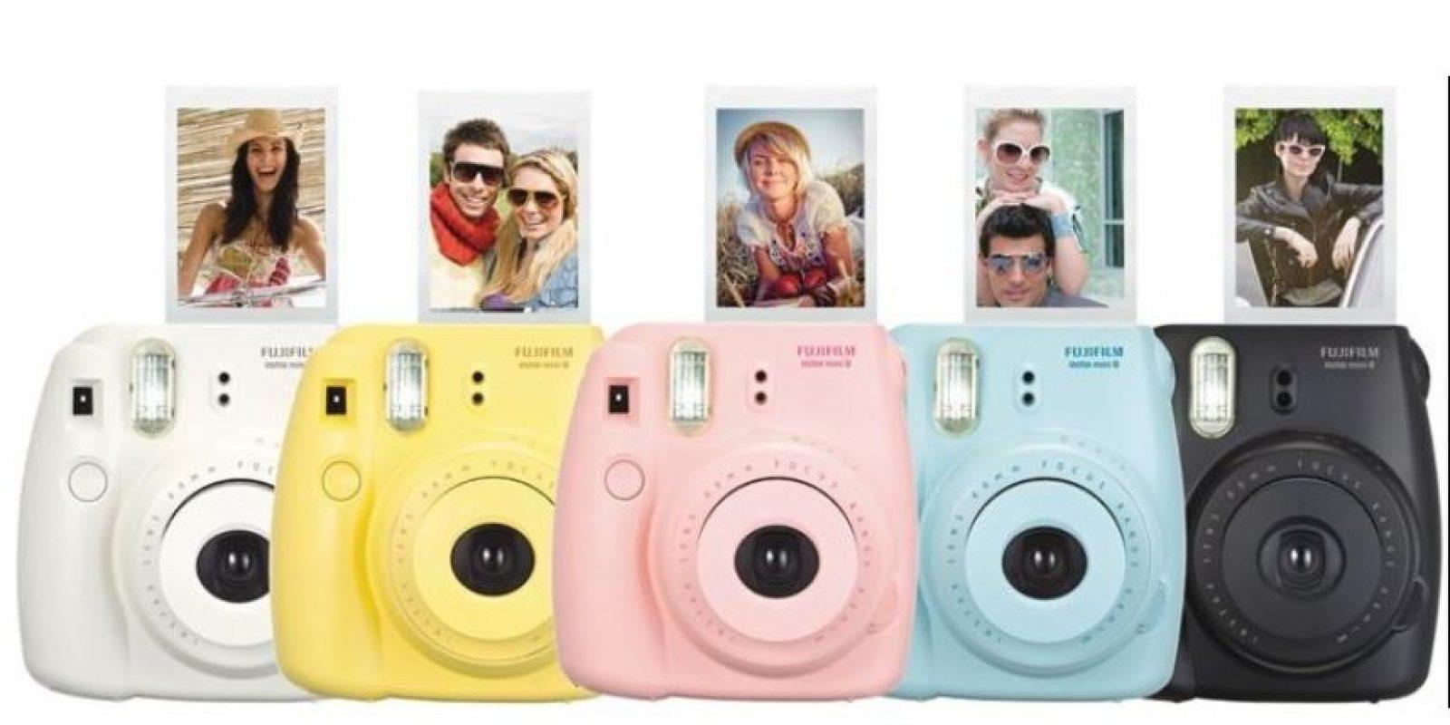 La fotografía se imprime a color en un papel de 62*46 mm que sale en segundos. Tiene un precio de 99.99 dólares. Foto:Fujifilm