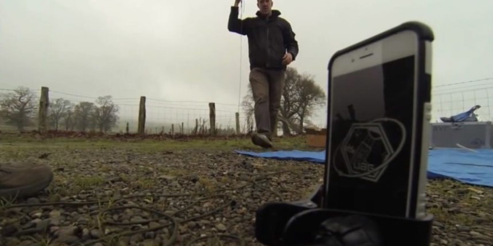 El iPhone fue llevado a la estratósfera mediante globo meteorológico. Foto:Urban Armor Gear Inc.