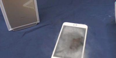 El smartphone de Apple se salvó del nitrógeno líquido. Foto:FullMag