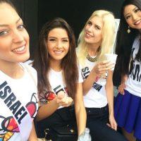 De izquierda a derecha: Doron Matalon (Israel), Saly Greige (Líbano), y las representantes de Eslovenia y Japón en Miss Universo 2015. Foto:Instagra,/doronmatalon