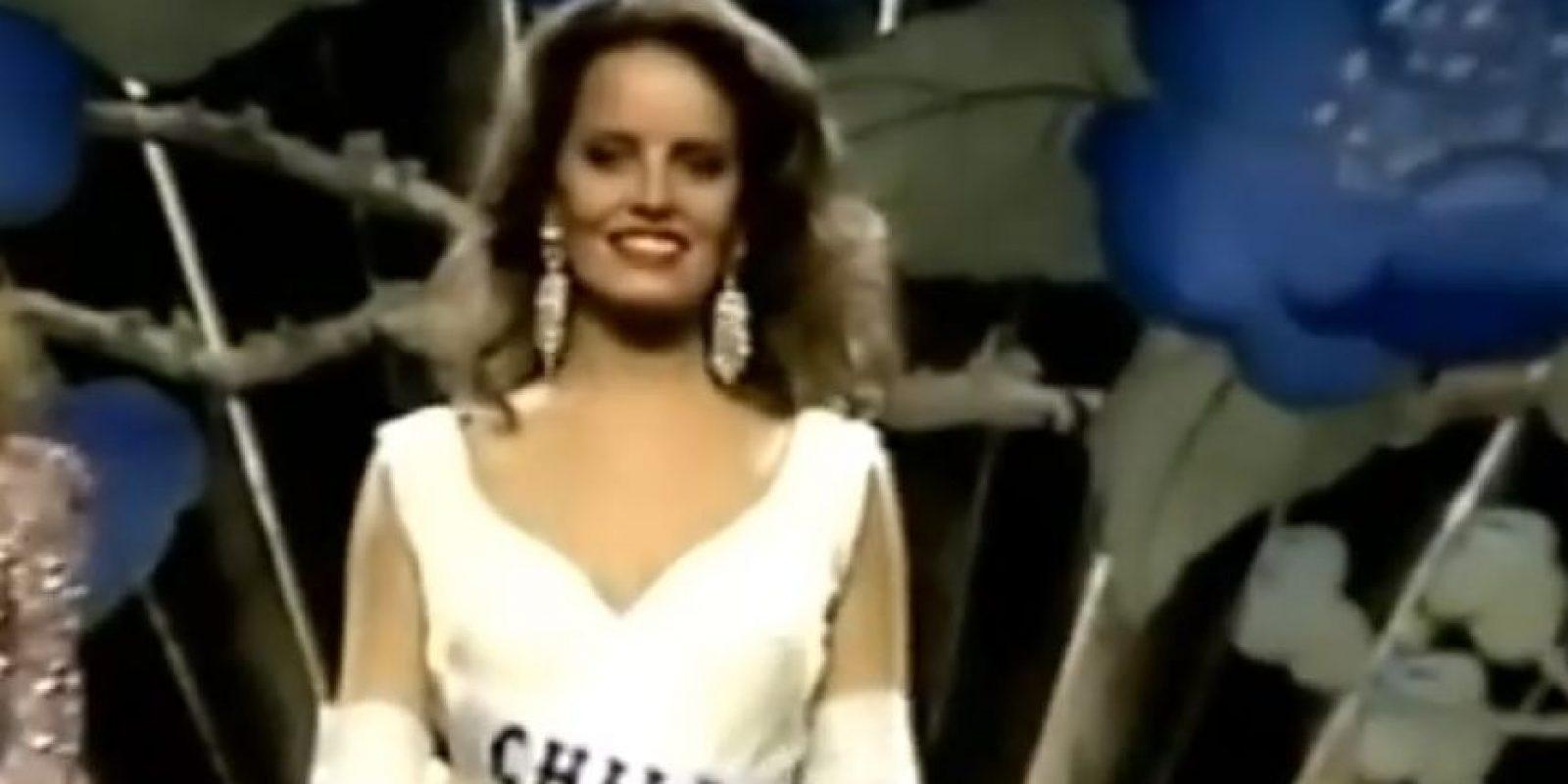 """Cecilia Bolocco también conocida como """"la reina de corazones"""" Foto:YouTube"""