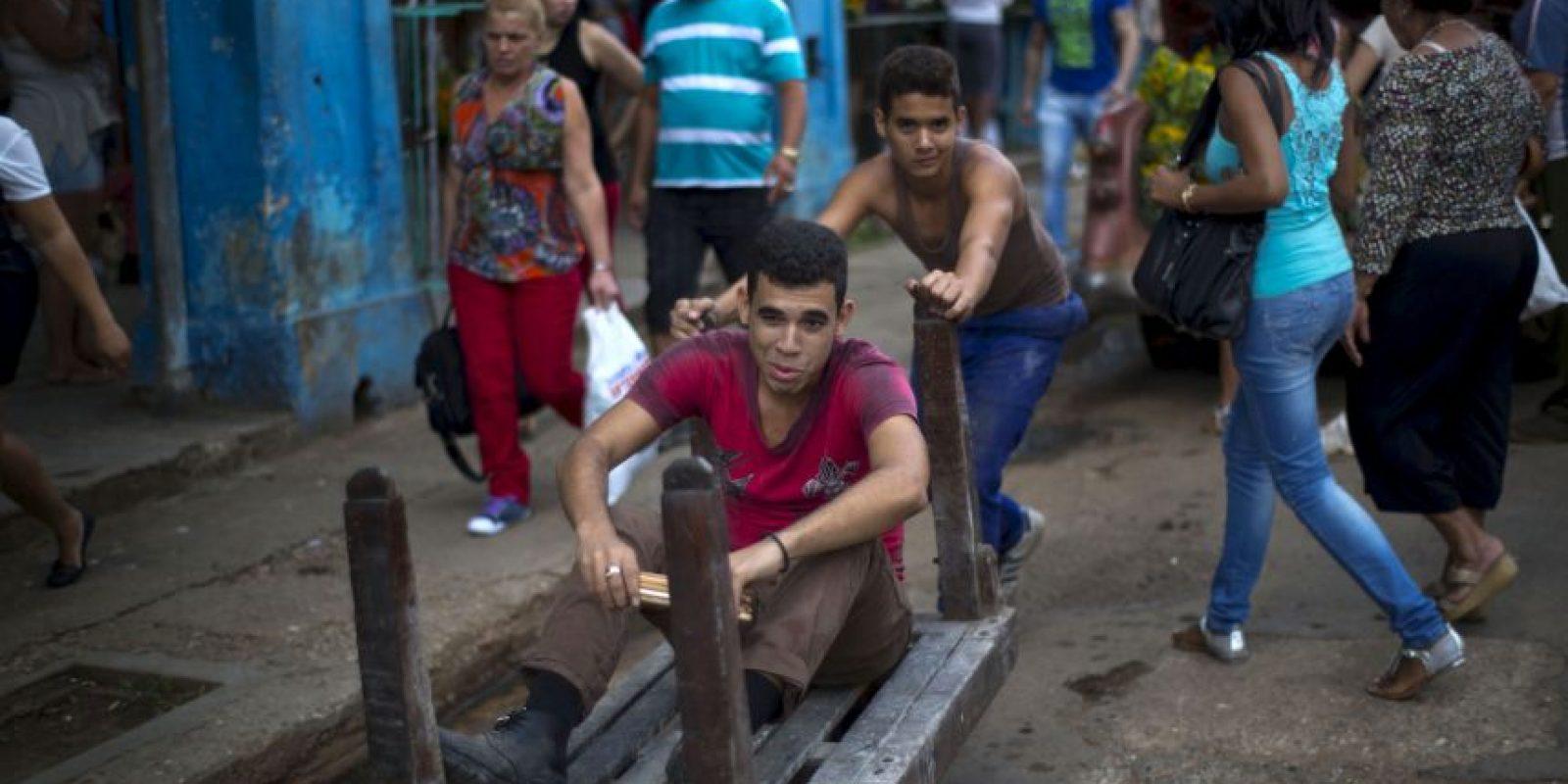 La economía cubana podría mejorar con esta nueva relación. Foto:AP