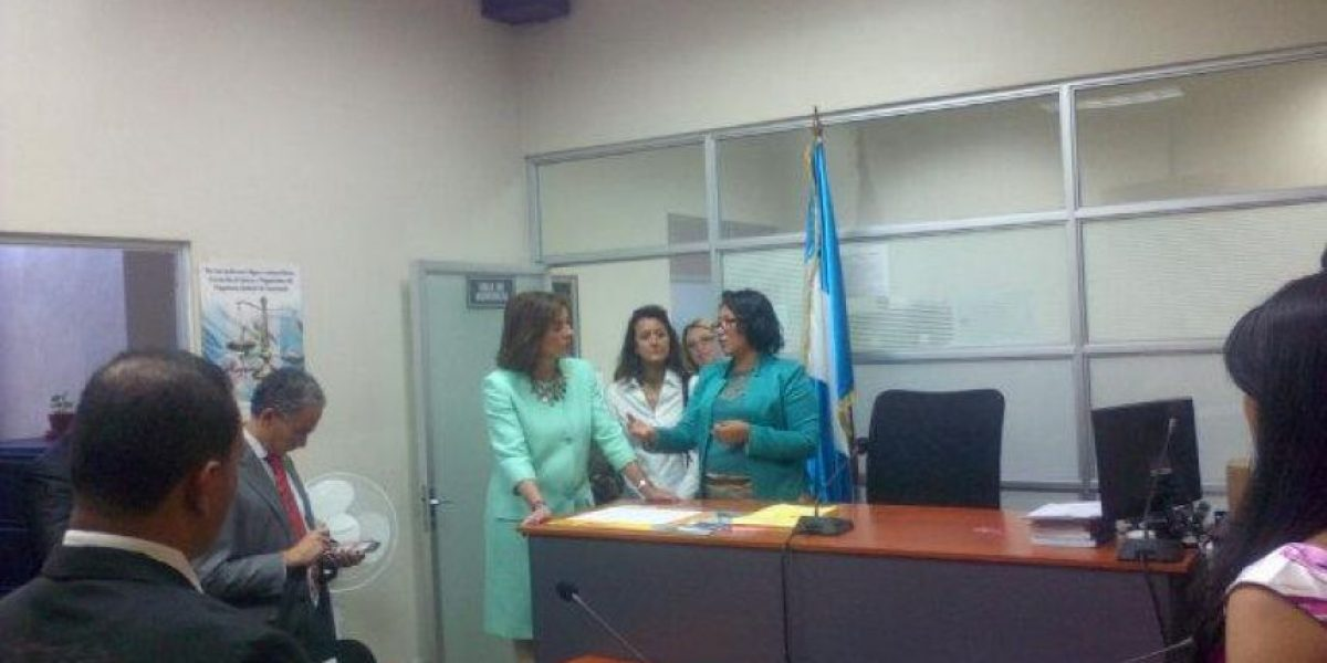 Alcaldesa de Madrid recorre el Ministerio Público