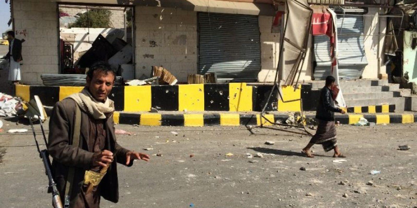 Rebeldes Huthi en las calles de Saná, la capital del país Foto:AFP