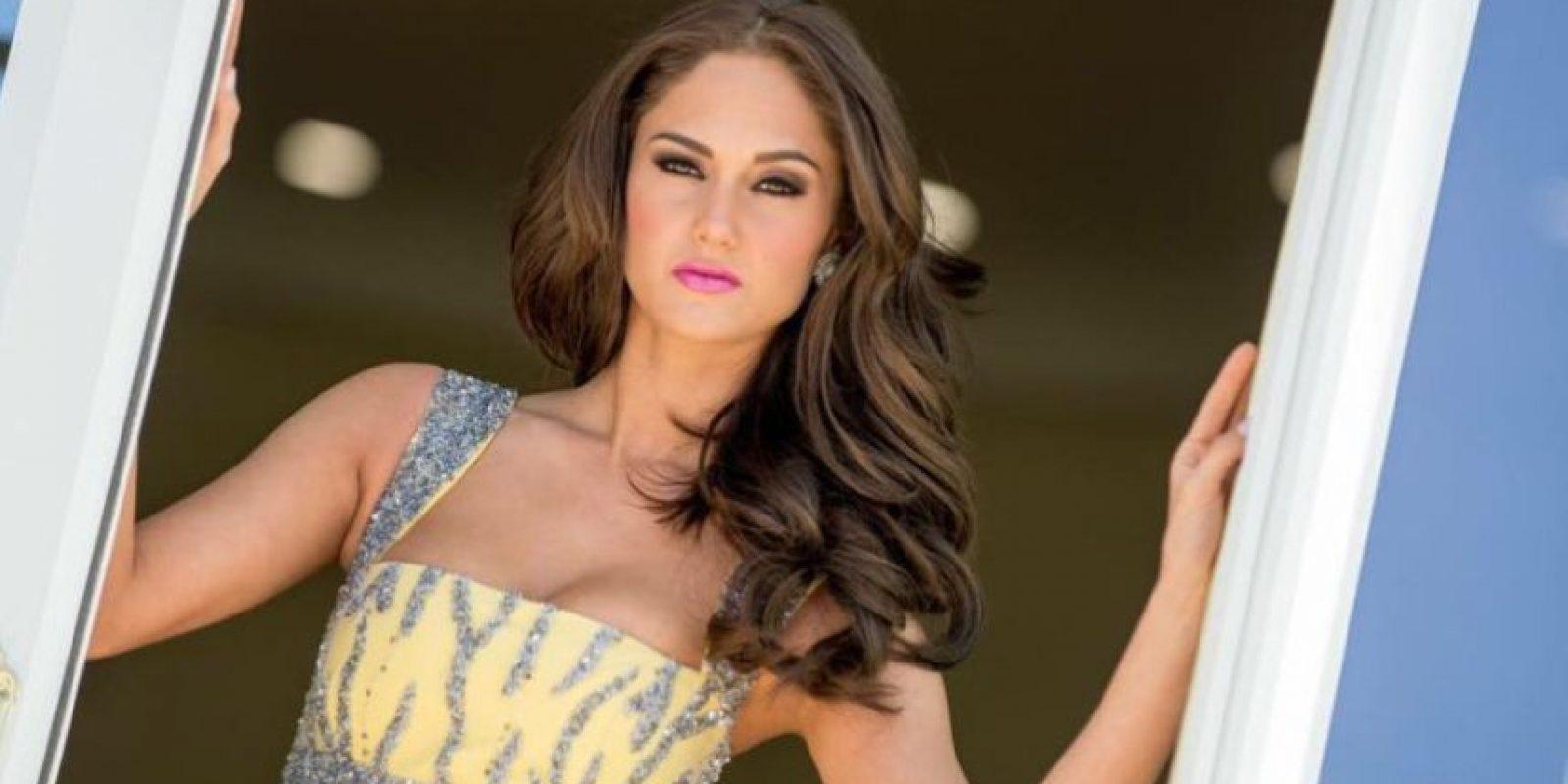 La representante de la belleza guatemalteca compartió en Facebook una imagen del traje que lucirá durante la gala de belleza este domingo Foto:Facebook Ana Luisa Montúfar