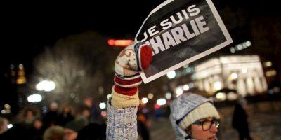 Millones de personas se mostraron solidarias por las 17 víctimas que dejaron los atentados. Foto:Getty