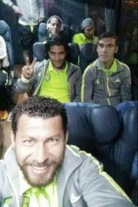 El delantero azteca también aseguró que nunca jugaría en el América, pues debutó en Chivas Foto:Twitter: @sabah_miguel