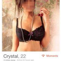 Crystal, una de las usuarios que lo contactaron. Foto:vía distractify.com / Tinder