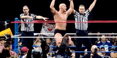 3. La polémica victoria de Steve Austin Foto:WWE