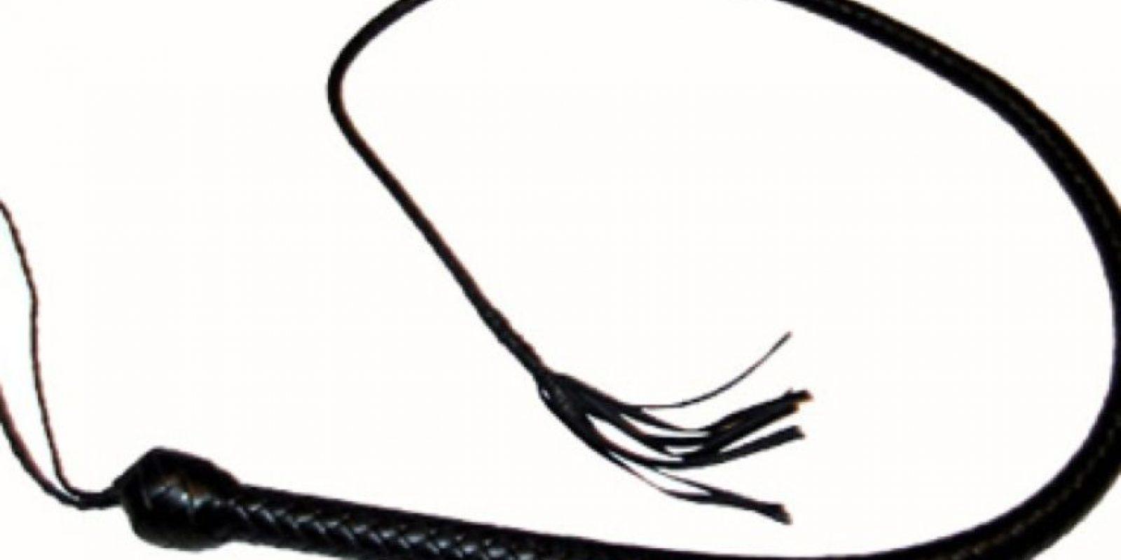 """6. """"El látigo"""": La mujer debe estar atada de pies y manos, con los ojos vendados. El hombre debe pasar un látigo por todo su cuerpo para posteriormente masturbar a su pareja. Foto:Getty Images"""