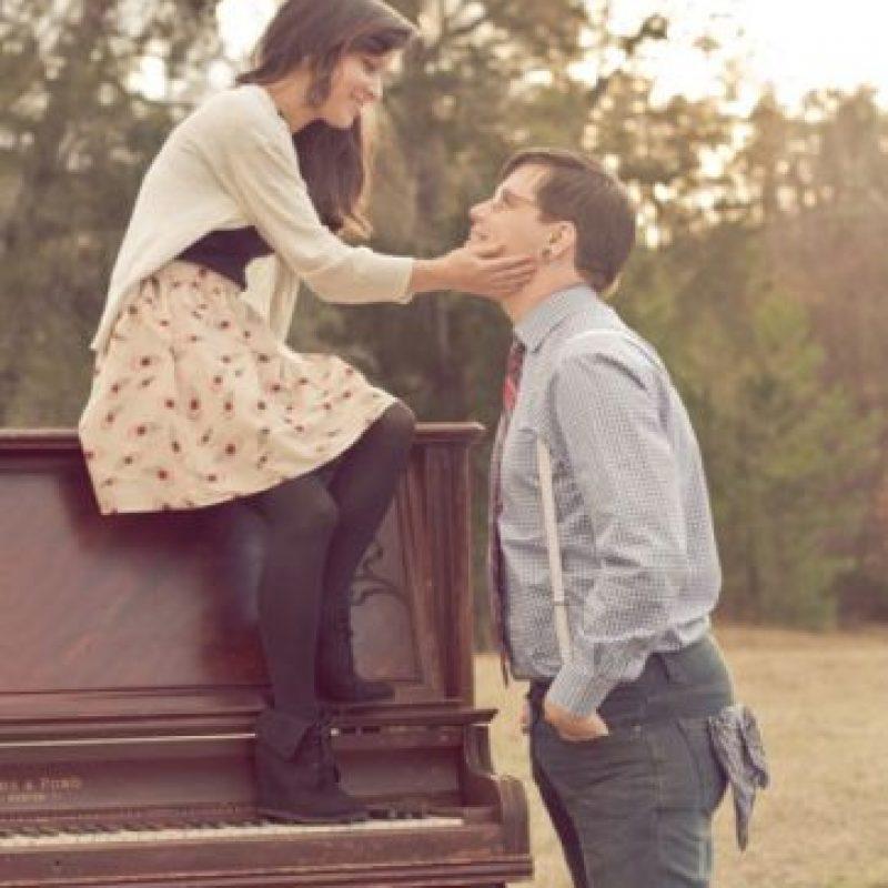 9. Sienten que no pueden ser felices sin él o ella. Foto:Tumblr.com/tagged-pareja-cursi