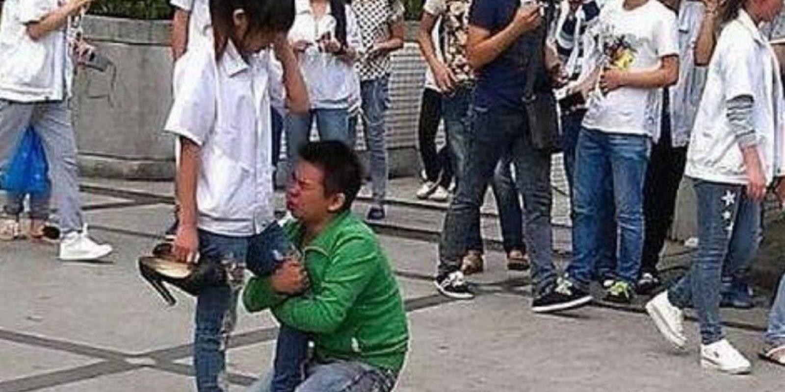Si no se cambió de colegio después de esto, pobrecito. Foto:Weibo