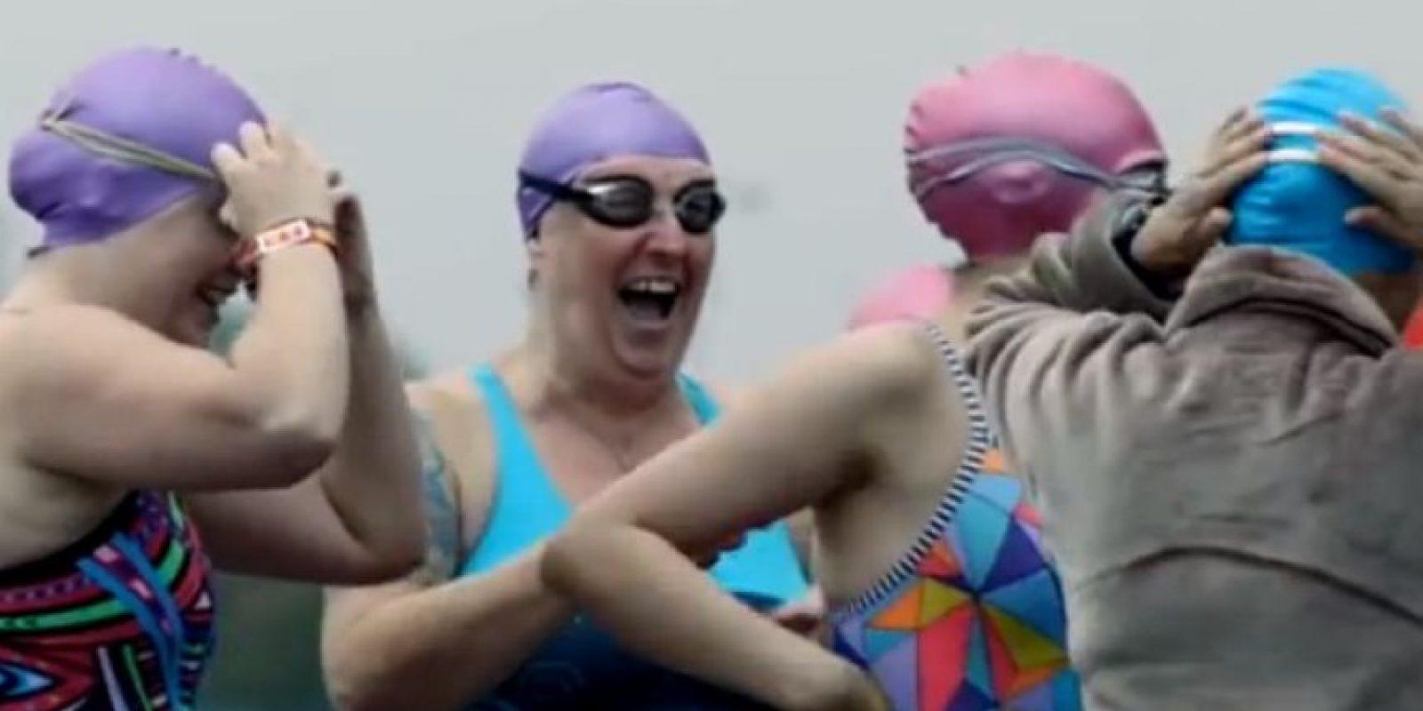 """""""Decidirse a hacer ejercicio sin importar lo que los demás digan, debe ser celebrado"""", menciona la página. Foto:Vía You Tube: This Girl Can"""