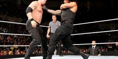11. Roman Reigns tiene la marca de más eliminaciones en un mismo evento, con 12 en 2014 Foto:WWE