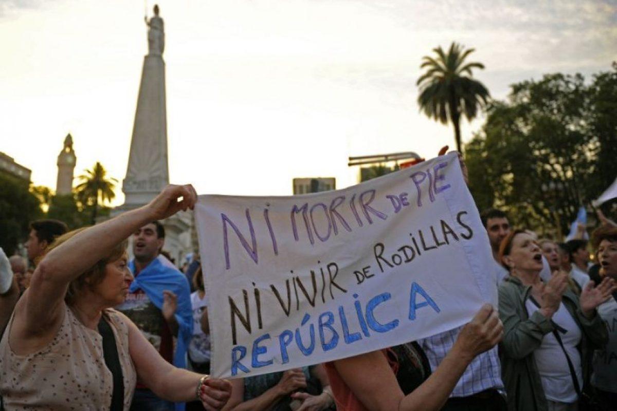 Según su relato, siempre estuvo acompañado de la madre de Nisman Foto:AFP