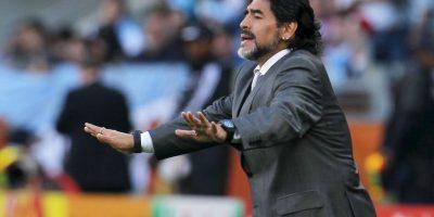 Fue el quinto hijo, y primer varón, del matrimonio entre Diego Maradona y Dalma Salvadora Franco. Su hermano Hugo también fue futbolista Foto:Getty Images