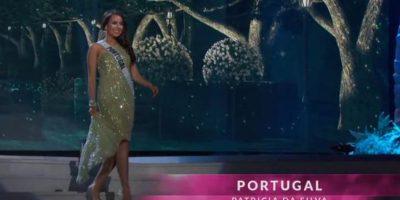 Miss Portugal también optó por recoger su vestido. Foto:Miss Universe.com