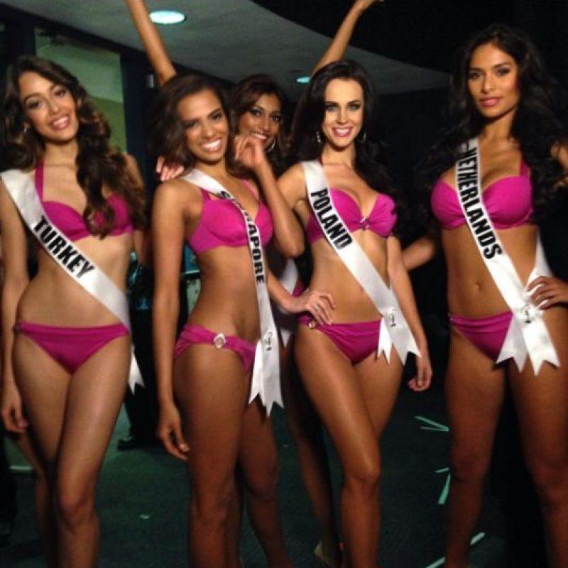 Las reinas de belleza en el backstage. Foto:Twitter/Miss Universo