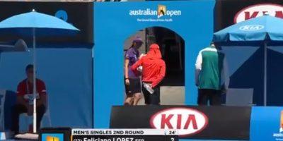 Pero al final, el joven tuvo que retirarse de la cancha Foto:Youtube: Australian Open TV