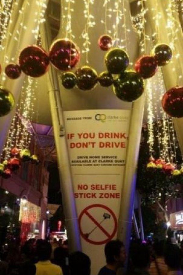 """No se permite selfie stick"" Foto:Reddit"