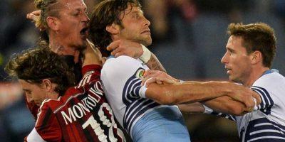 VIDEO. Un jugador del Milan se sintió como luchador y perdió la cabeza