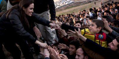 Angelina Jolie se reúne con familiares de víctimas de ISIS