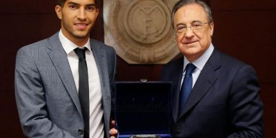 Florentino Pérez, presidente del club, le regaló una réplica del Santiago Bernabéu. Foto:Real Madrid